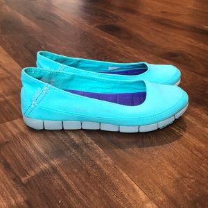Crocs stretch sole flats size 8